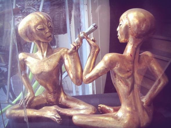 Aliens doin' their thing