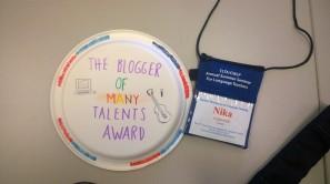 Look, I'm awarded a blogger award. Make me feel happy! Thanks Griselda.
