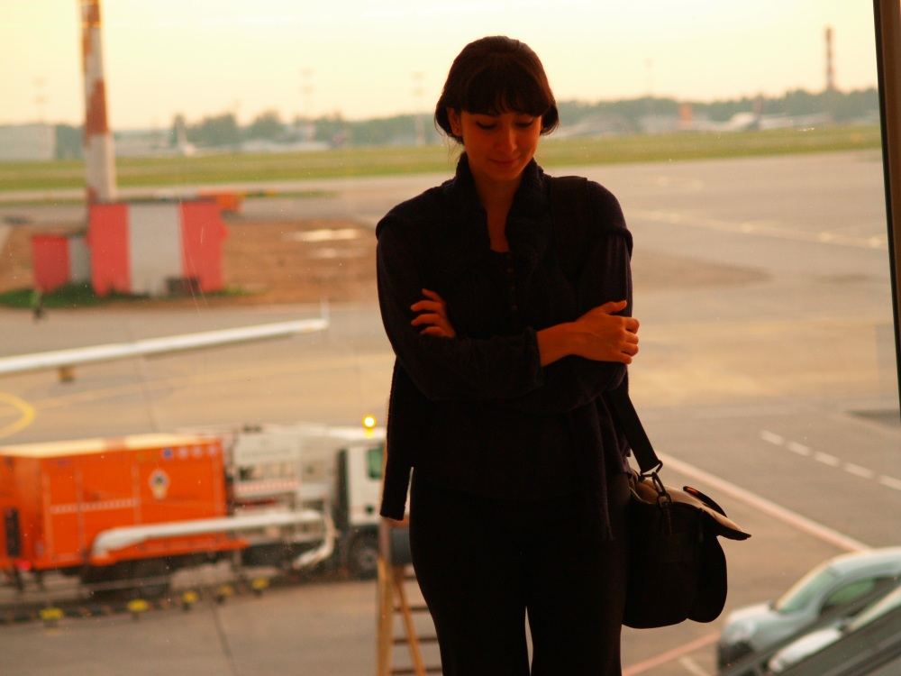 Note to self: travel in black. Even if you're tired, you'll look classy.